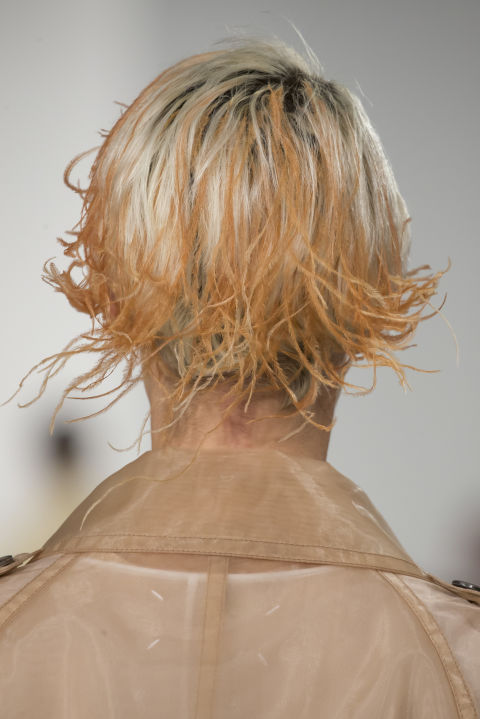 Вариант модной прически в коллекции Maison Margiela сезона весна-лето 2018