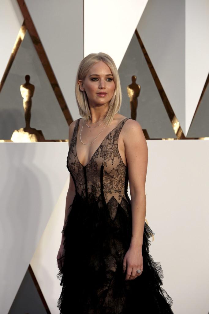 Дженнифер Лоуренс на вручении Оскара
