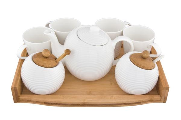 Что подарить девушке: чайный сервиз!