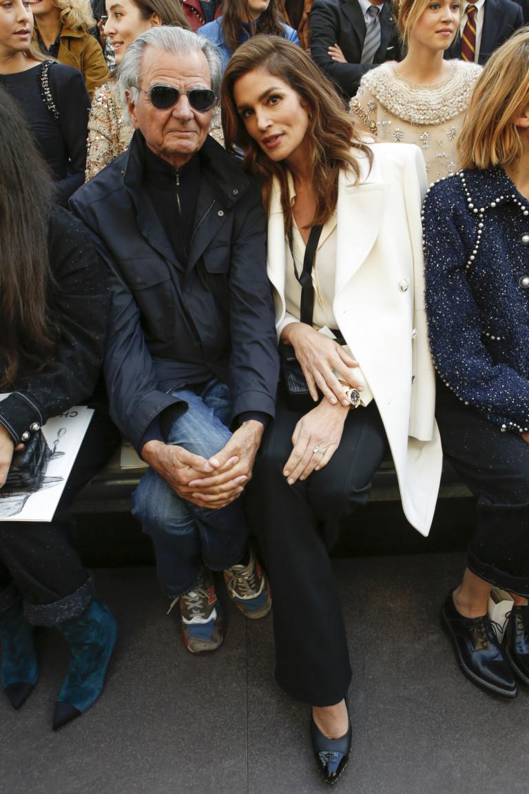 Синди Кроуфорд на показе Chanel в Гран-Пале