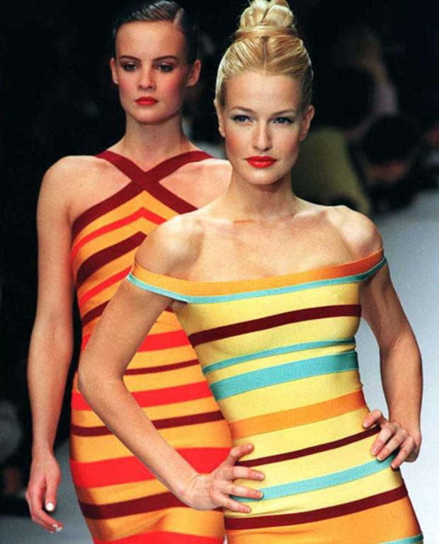 Модели в бандажных платьях