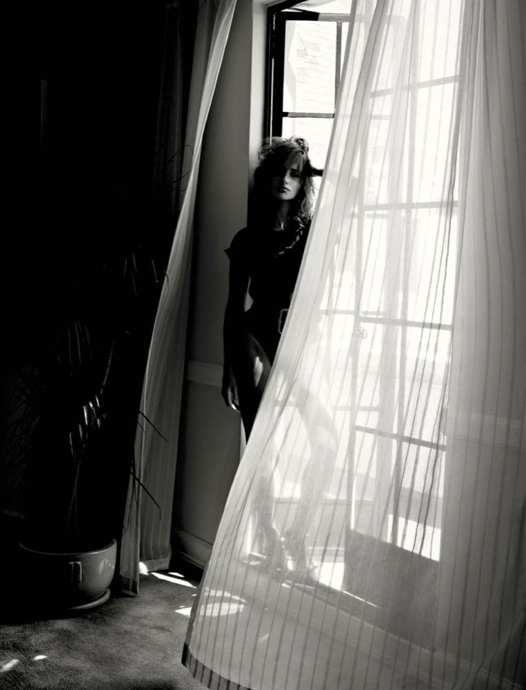 Пенелопа Крус в черно-белой фотосессии