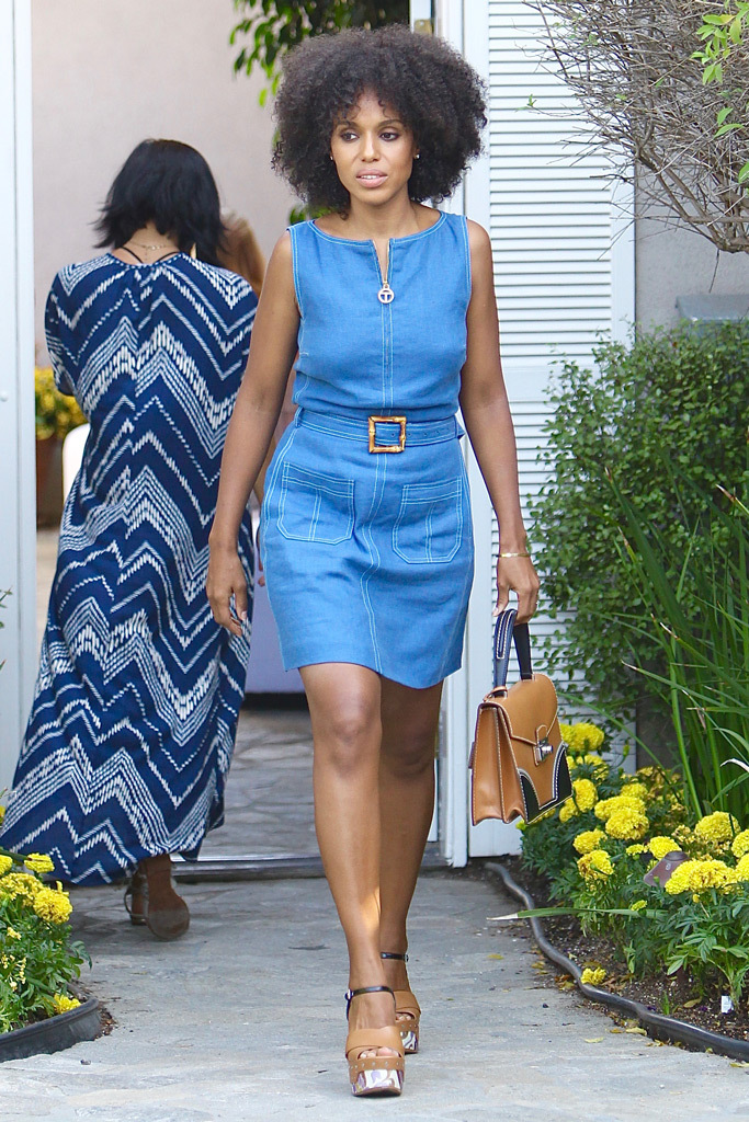 Актриса Керри Вашингтон в платье из денима
