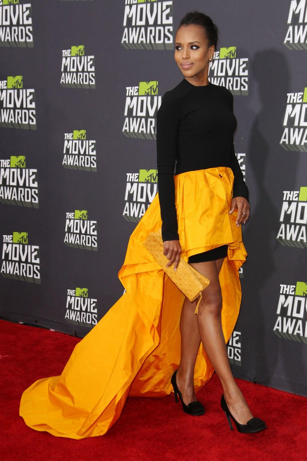 Керри Вашингтон на вручении кинонаграды MTV в платье от Michael Kors