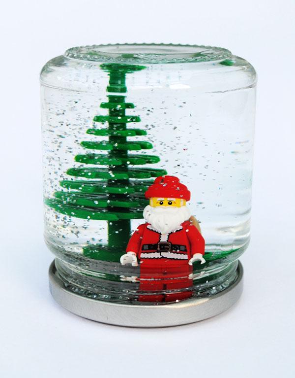 Снежный шар с игрушками лего