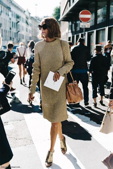 Вязаное платье на уличной моднице