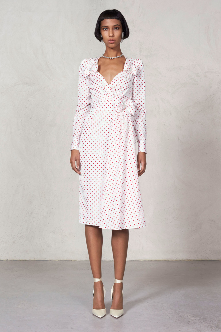 Платье с вырезом в мелкий горошек