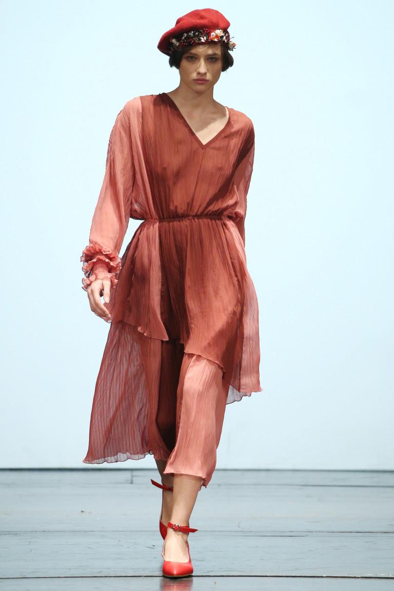 Легкое струящееся платье в коллекции Lalo SS 2018