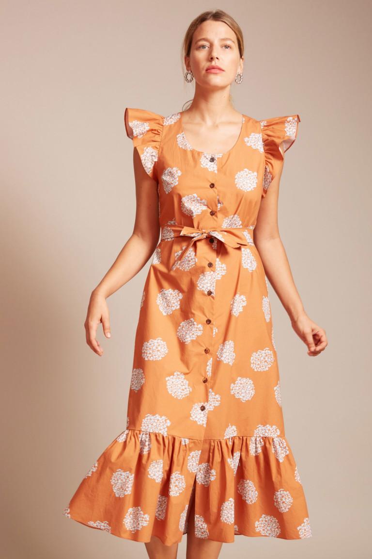 Легкое платье с оборками и крупным растительным принтом