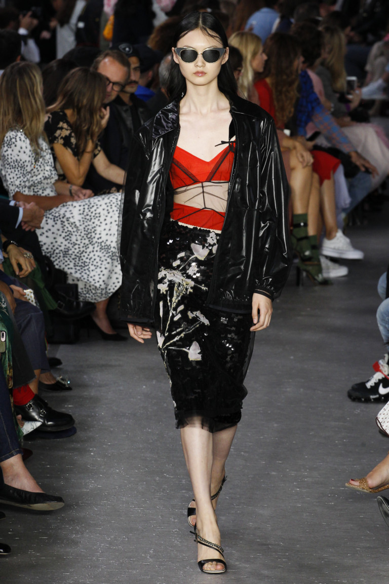 Модные куртки 2018. Модель из весенне-летней коллекции No.21