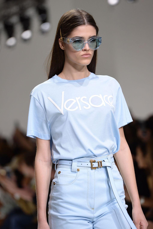 Модные оправы весна-лето 2018. Модель в коллекции Versace