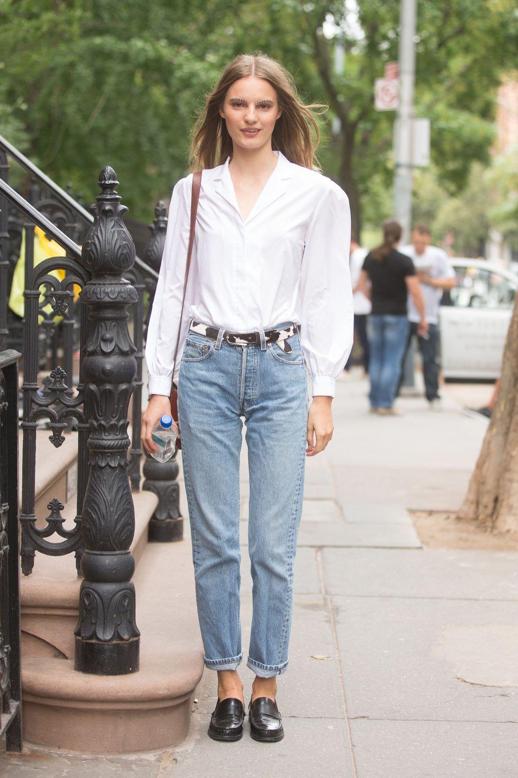 С чем носить mom jeans весной и летом