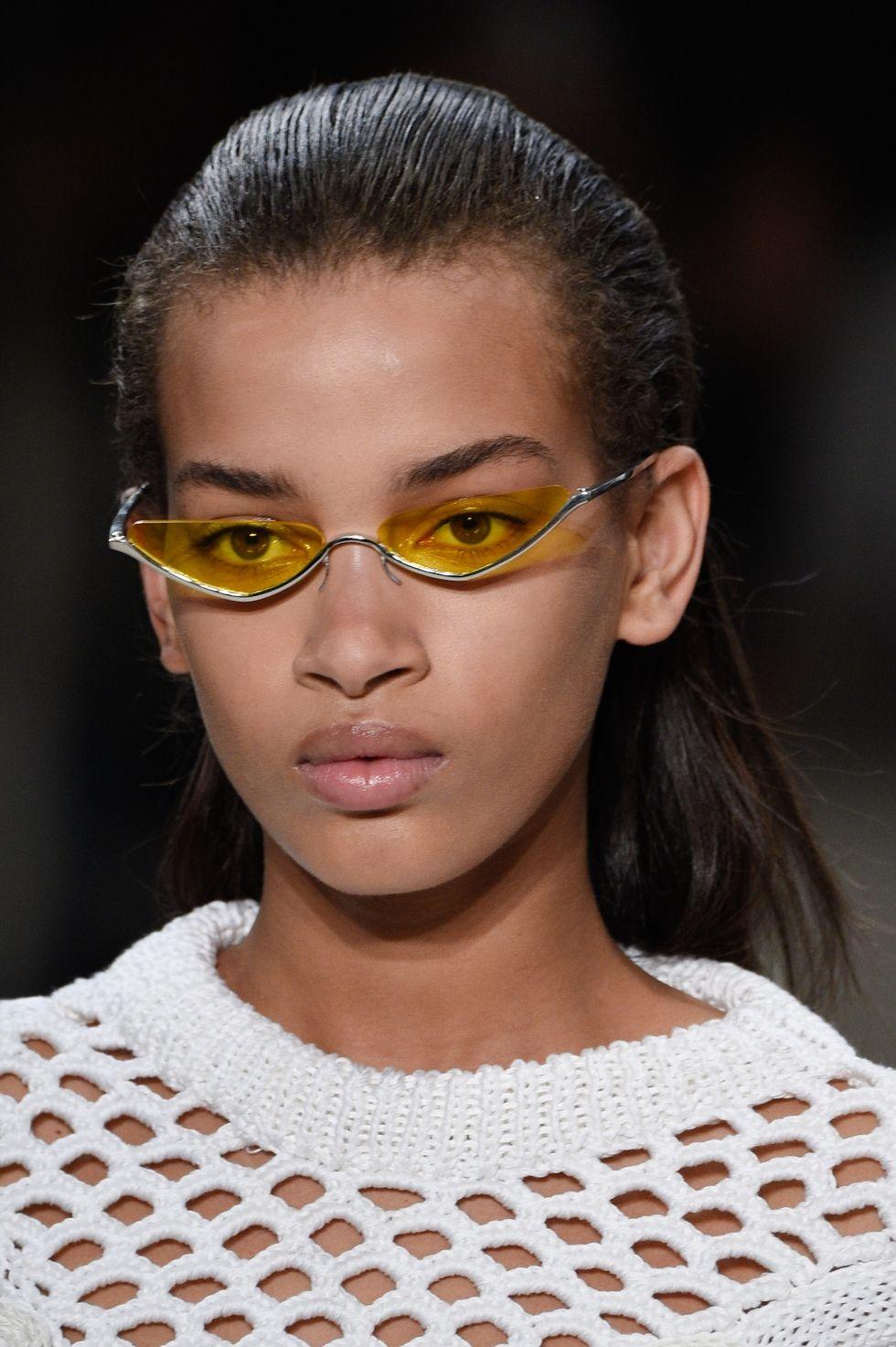 Модные очки от солнца весна-лето 2018  10 ярких трендов   Trendy-U fe21b22d479