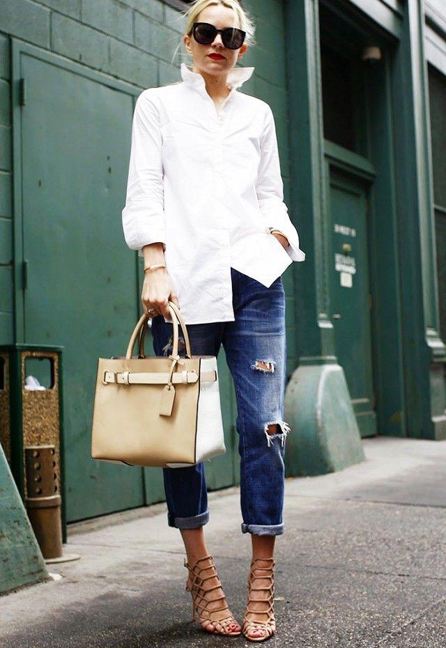 С чем носить рваные бойфренды - с белой рубашкой