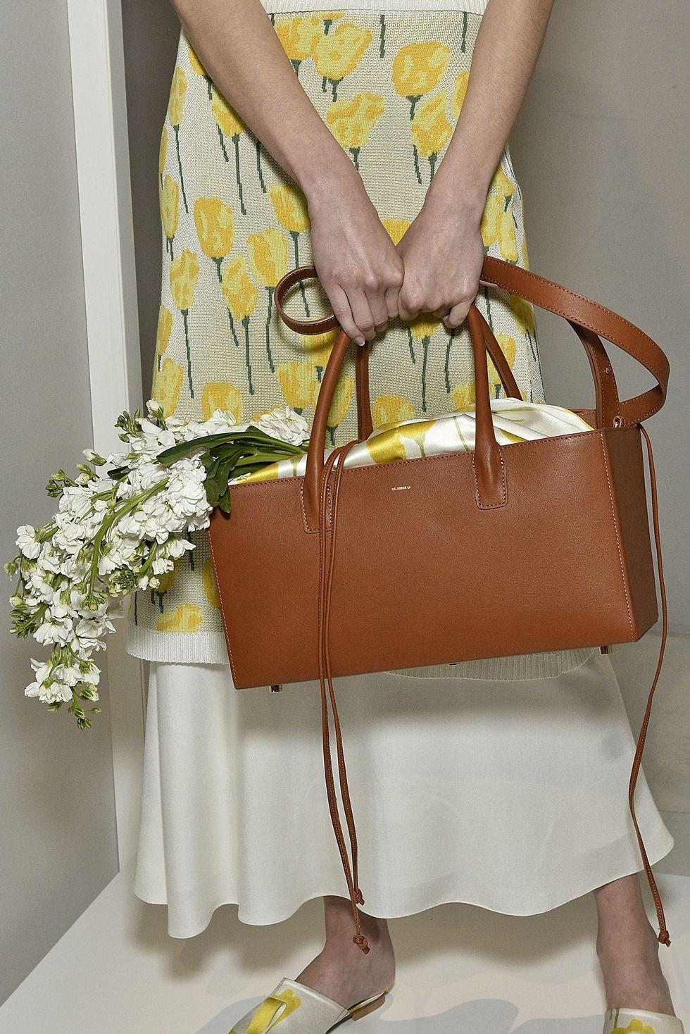 Коричневая сумка от Claudia-Li - вариация на тему портфелей и сундуков