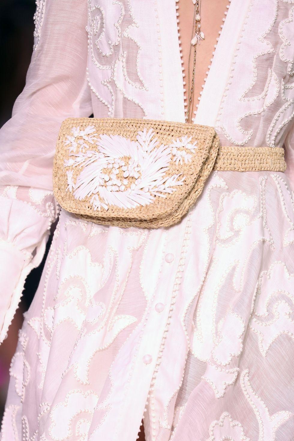 Модная плетеная сумка на пояс. SS 2018 Zimmermann