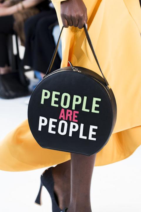 Круглая сумка весна-лето 2018 Christian Siriano