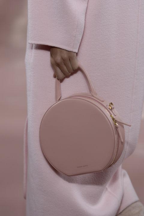 Модная круглая сумка для весны и лета 2018