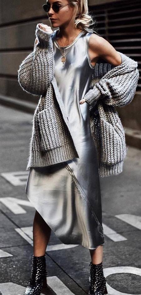 Total look: кардиган и платье цвета металлик