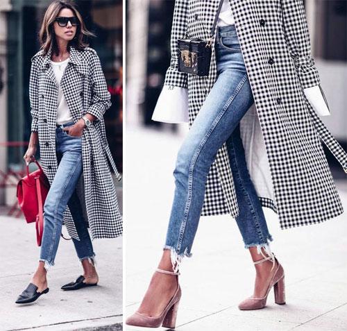 Черно-белое пальто в клетку в сочетании с джинсами