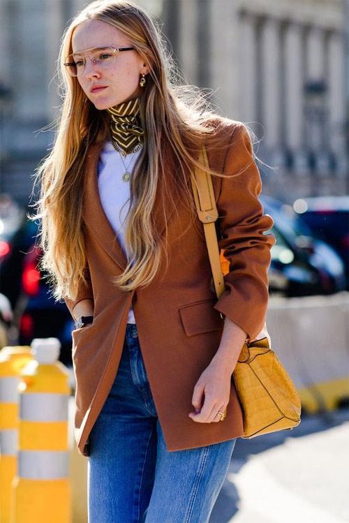 Образ для осени: шарф твилли, жакет, джинсы