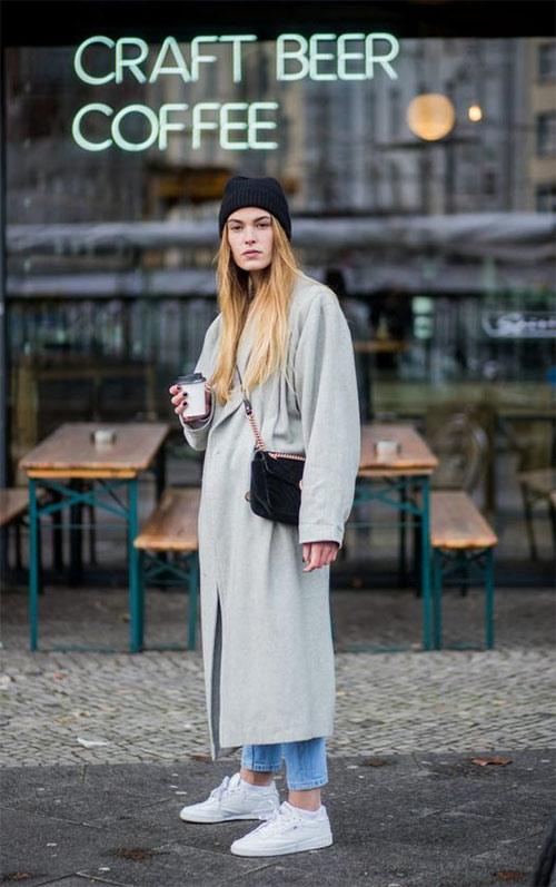 Серое пальто - черная шапка и сумка