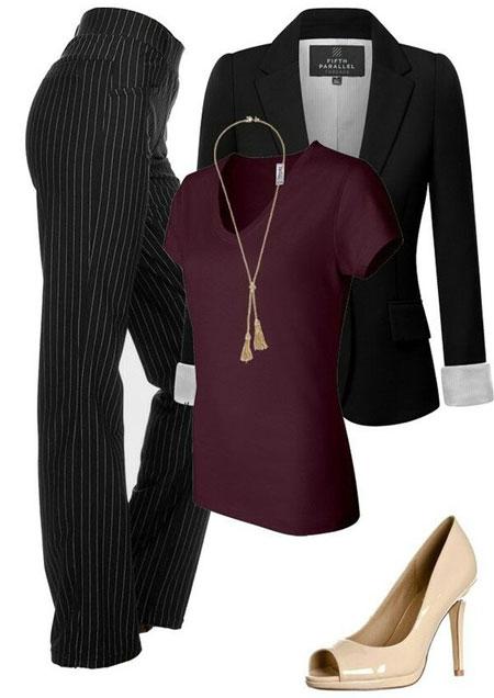 Фиолетовая блузка и черный брючный костюм