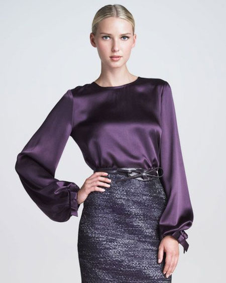 Блузка цвета ультрафиолет и юбка-карандаш
