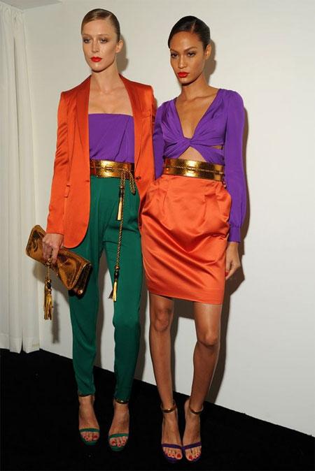 Блузка цвета ультрафиолет