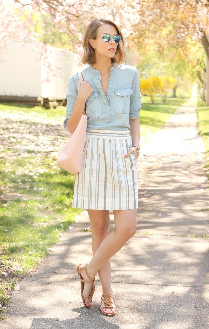 Как сочетать сандалии и юбку в летнем образе