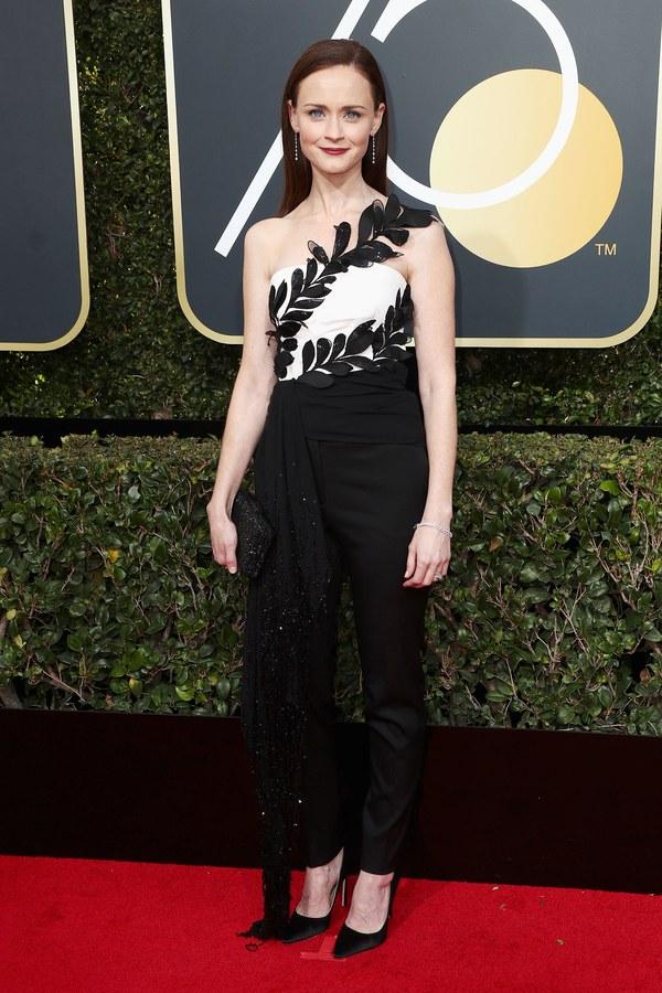 Алексис Бледел в черно-белом наряде на Golden Globe