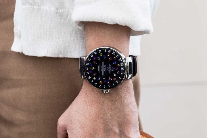 Модель умных часов от бренда Louis Vuitton