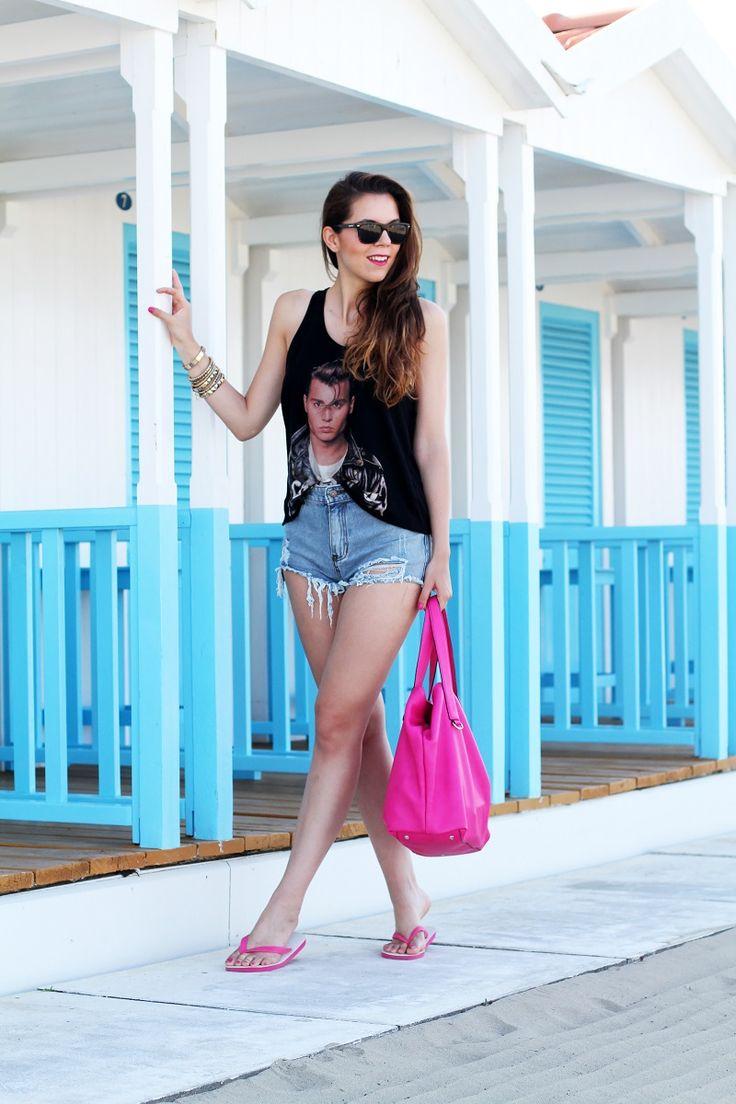 С чем носить шлепанцы на пляж
