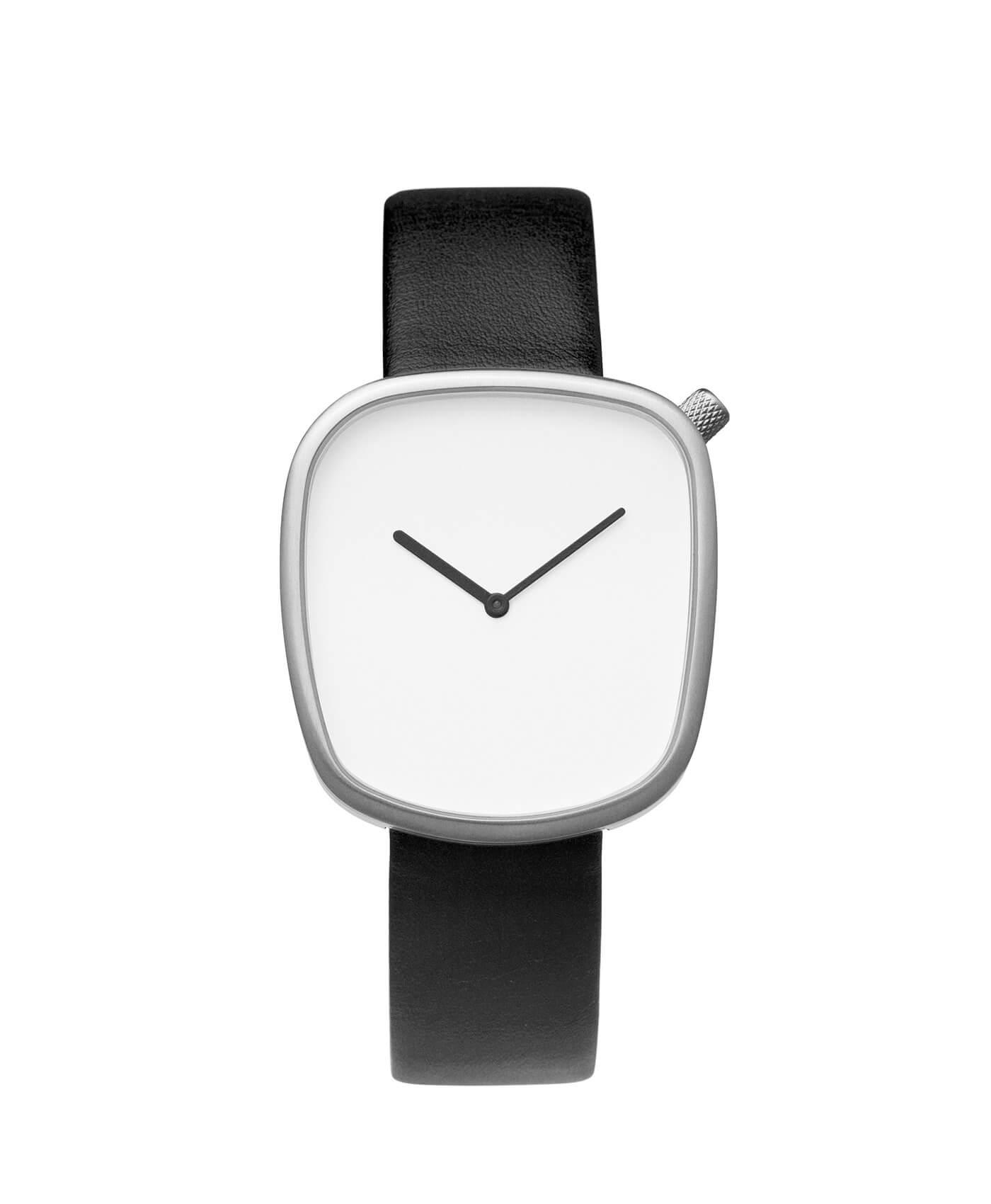 Наручные часы в стиле минимализм