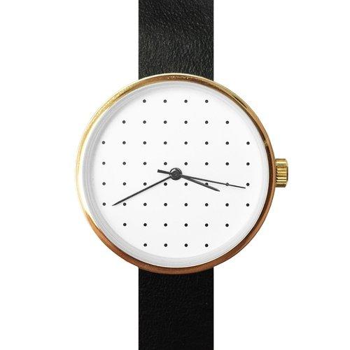 Часы с циферблатом в горошек