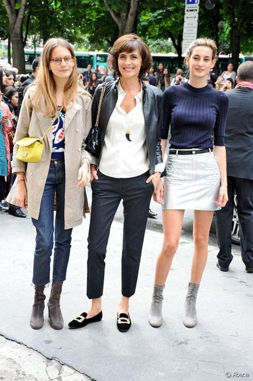 Инес де ля Фрессанж с дочерьми, Ниной Марией и Виолеттой Марией