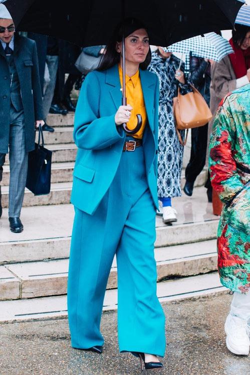 Джованна Батталья в модном костюме оверсайз