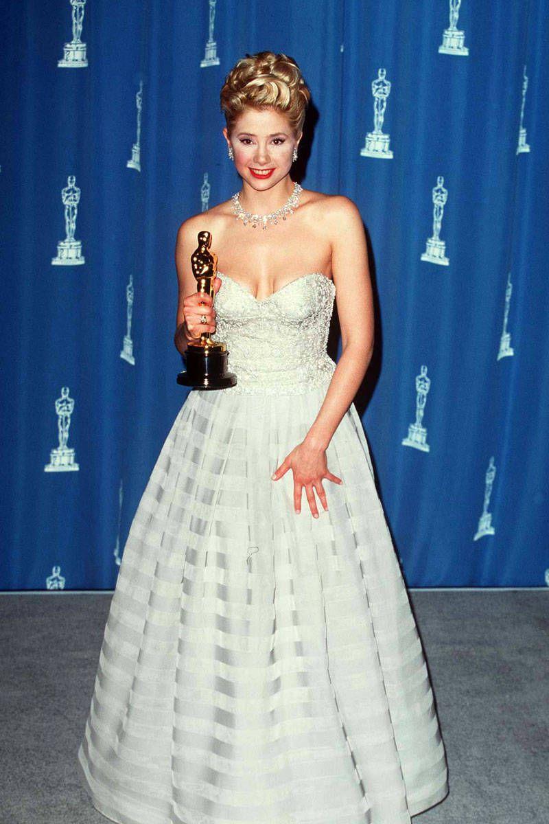 Мира Сорвино в платье с пышной юбкой. Самые красивые платья на выпускной