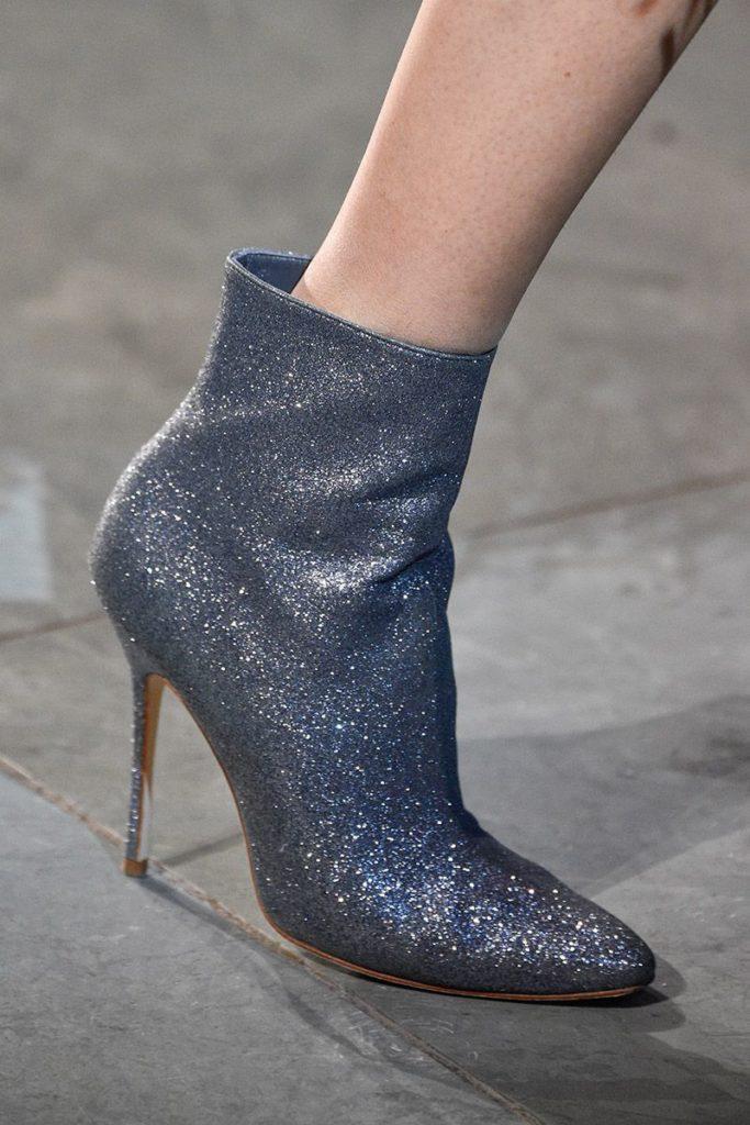 Модне жіноче взуття осені-зими 2018 19  7 трендів сезону - Жіночий журнал  TerraWoman.UA 58994ec128766