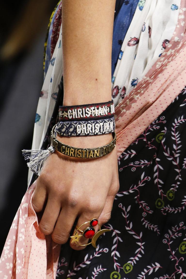 Браслеты с надписью Christian Dior