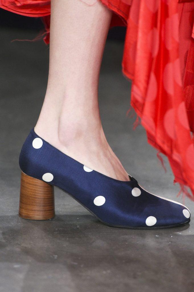 Модне жіноче взуття осені-зими 2018 19  7 найпопулярніших трендів - Жіночий  журнал TerraWoman.UA a16cc37da54da