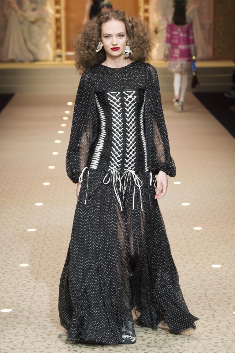 Черное платье в пол с корсетом от Dolce & Gabbana