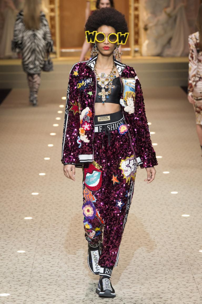 Костюм с яркими аппликациями Dolce & Gabbana
