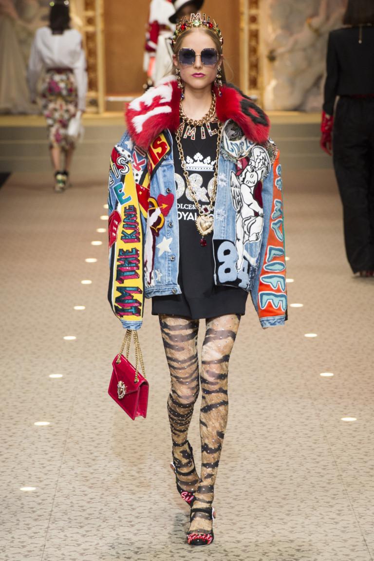 Джинсовая куртка с ярким мехом от Dolce & Gabbana