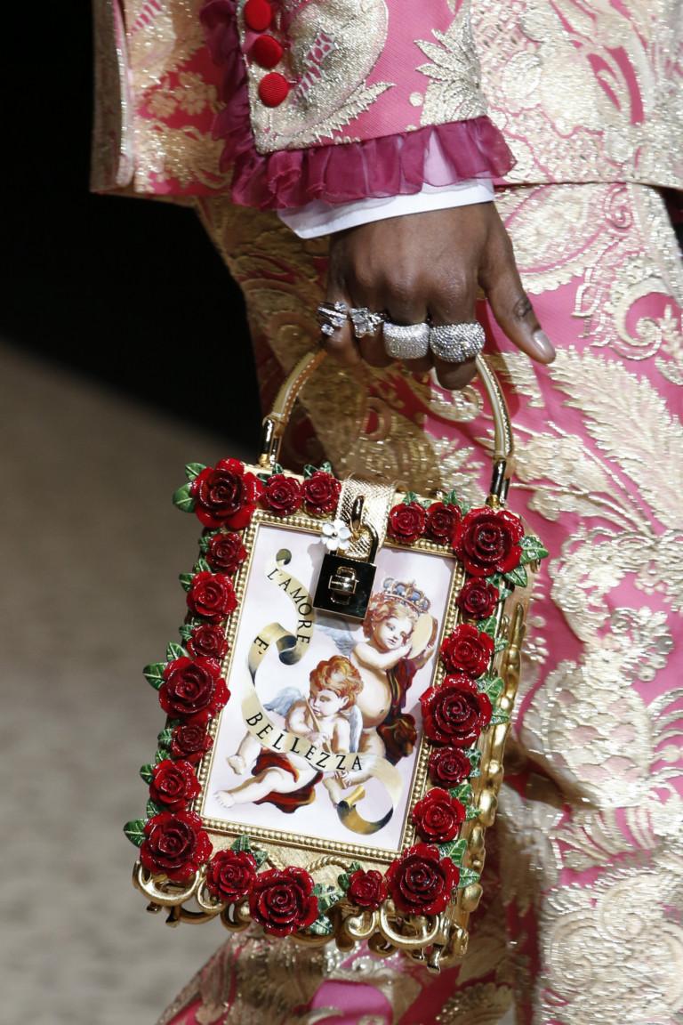 Прямоугольная сумка с розами и ангелами Dolce & Gabbana осень-зима 2018-2019