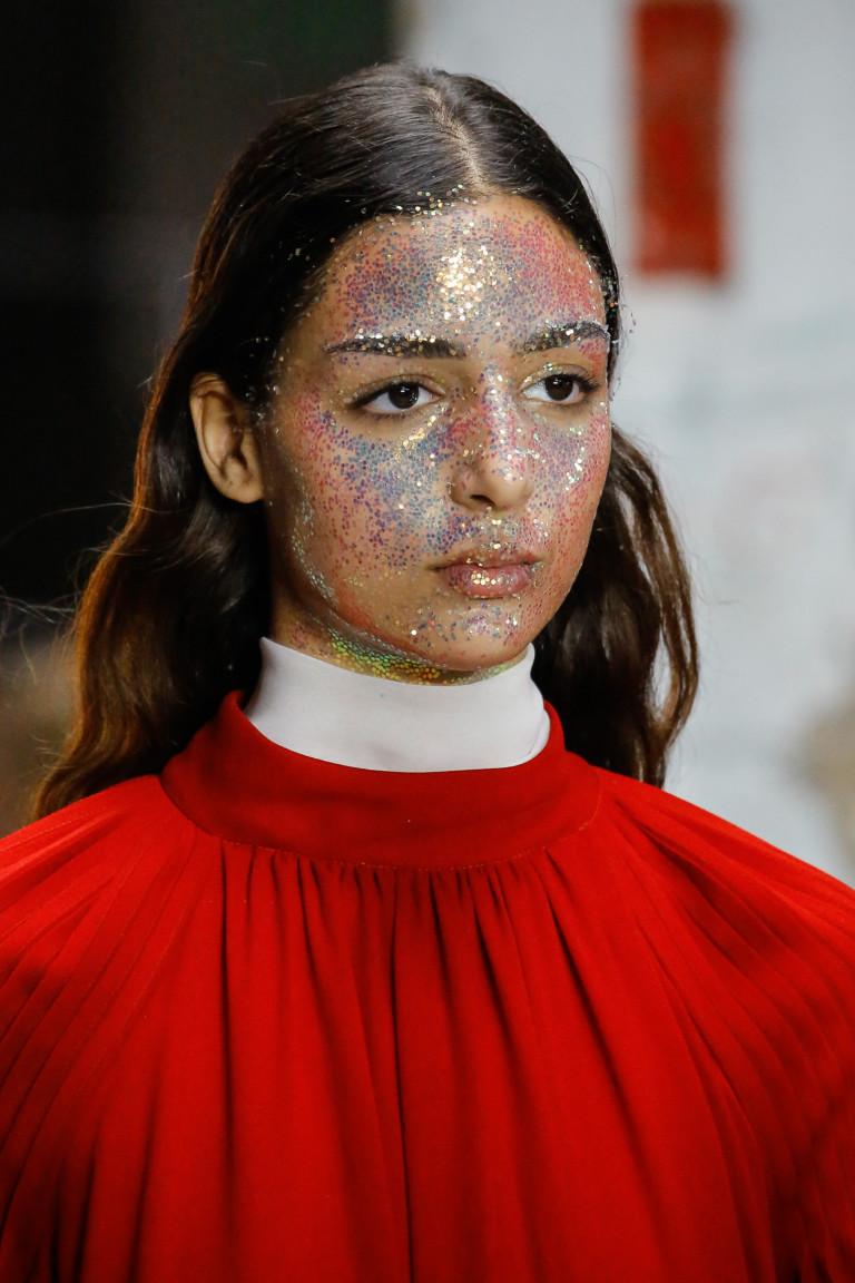 Модный макияж осень-зима 2018-2019: 7 тенденций и много блеска на фото