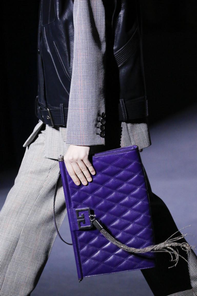 Фиолетовый клатч Givenchy - модные сумки 2018