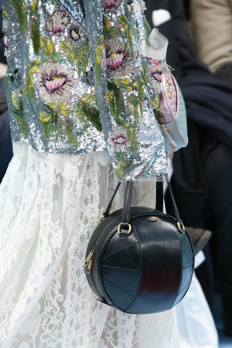 Разноцветные браслеты из коллекции Gucci