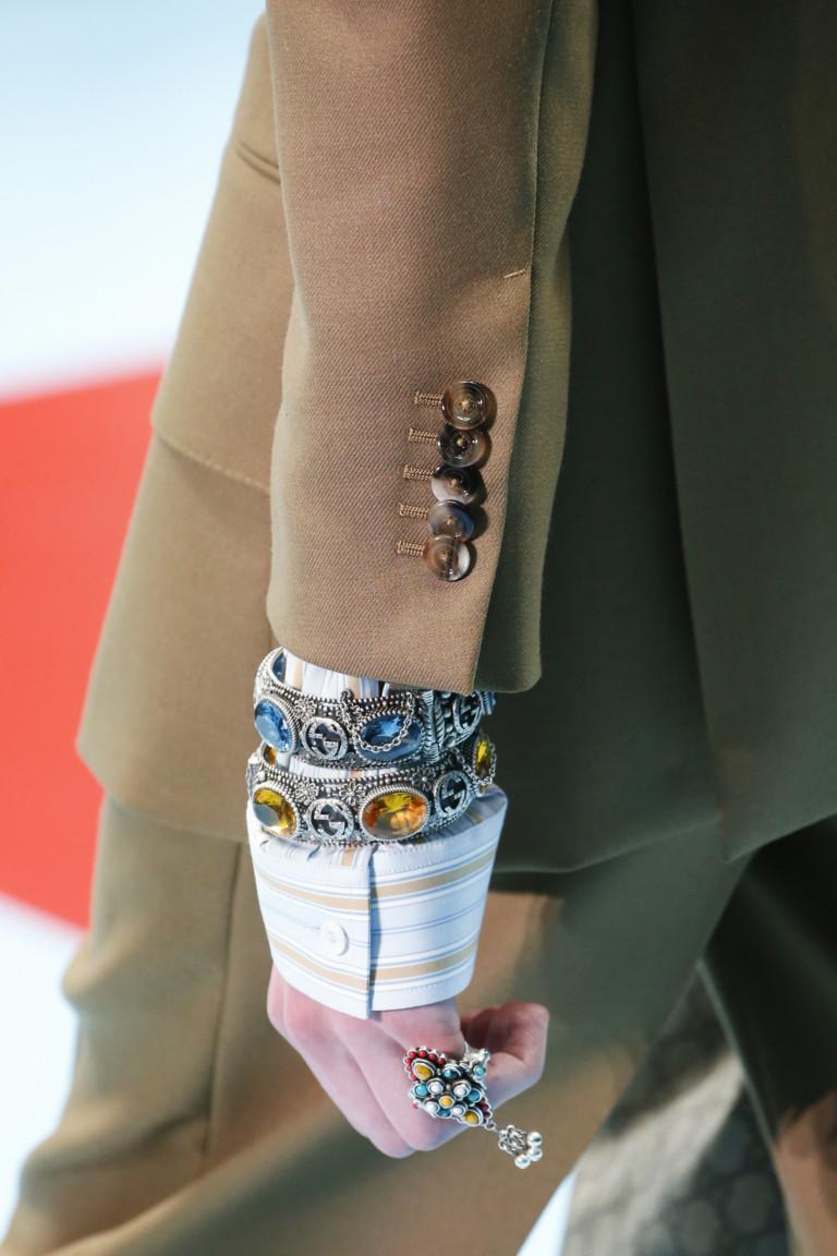 Модные украшения осень-зима 2018-2019: браслет с камнями