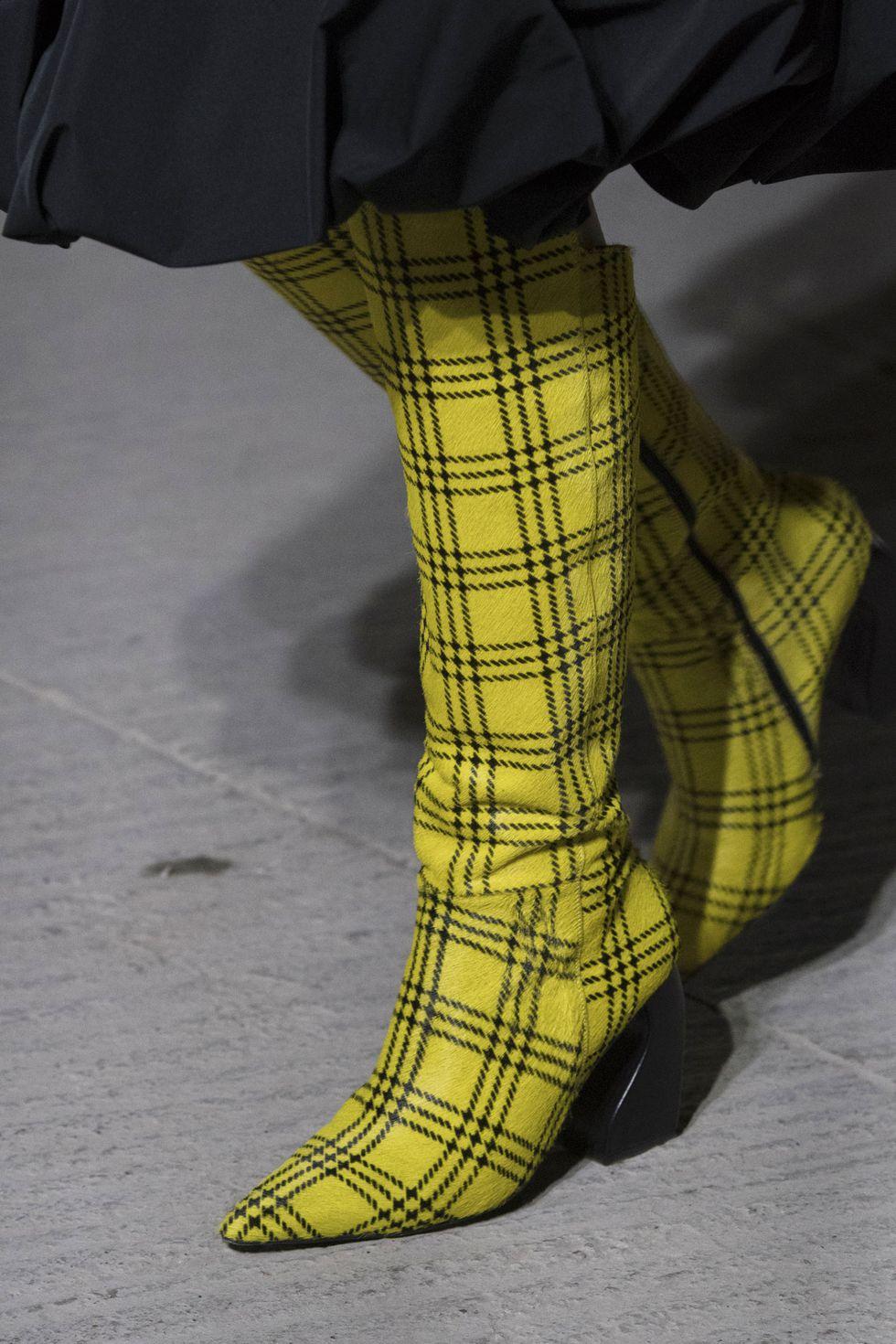 Желтые сапоги в клетку от Marques'Almeida